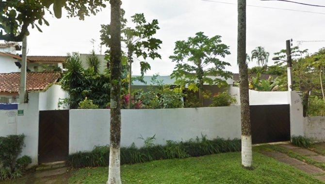 Casa com terreno com área de 360m²
