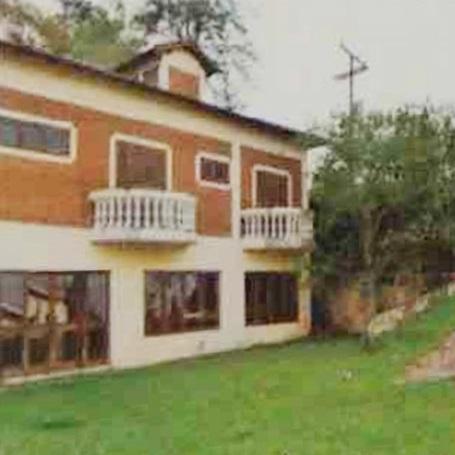 Casa em área de 3.146,23 m²