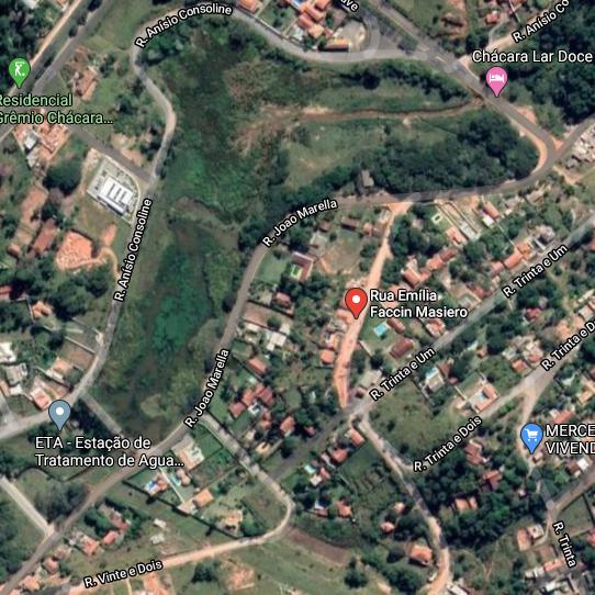 Terreno em área total de 1.056,10 m²