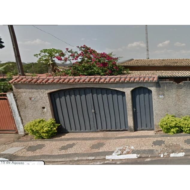 Casa com 188,68m² de área construída em Mogi Mirim.