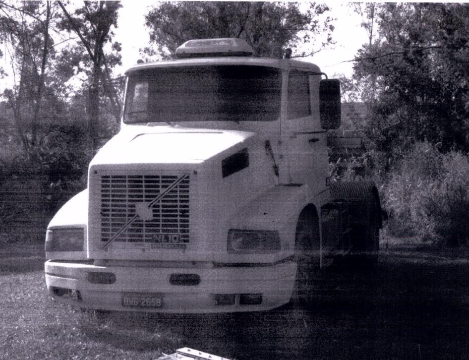 Caminhão Volvo em Amparo/ SP